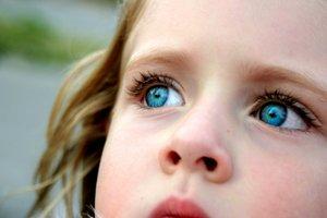 blue_eyes_by_kirstie1974.jpg