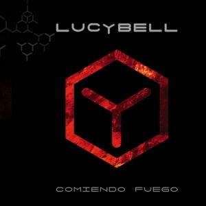 lucybell-comiendo-fuego.jpg