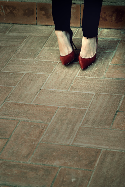 red_shoes_by_sarinni.jpg