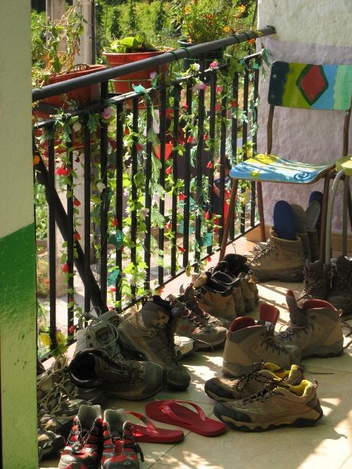 botas-en-el-balcon