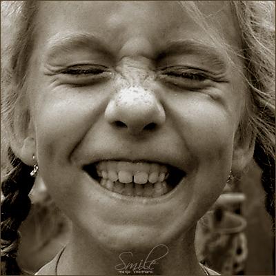 smile_by_jesusis